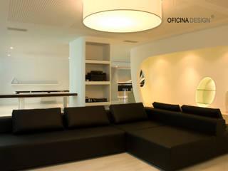 Minimalist media room by Oficina Design Minimalist