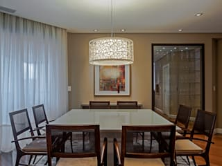 Classic style dining room by Studio Boscardin.Corsi Arquitetura Classic
