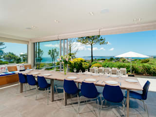 Ednovean House, Perranuthnoe | Cornwall Modern dining room by Perfect Stays Modern