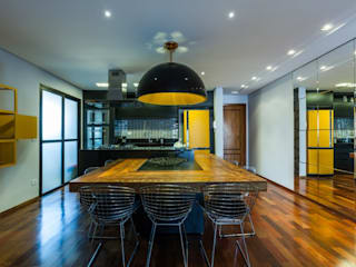 Dining room by MC3 Arquitetura . Paisagismo . Interiores
