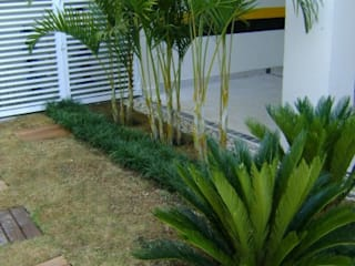 tropical Garden by MC3 Arquitetura . Paisagismo . Interiores
