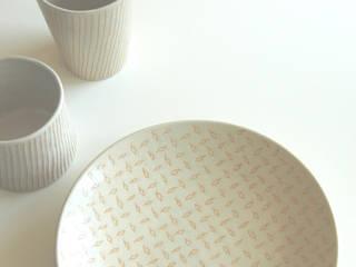 ピンストライプ: ceramica yyttが手掛けたです。