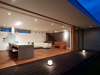 小野里信建築アトリエ Salones de estilo moderno
