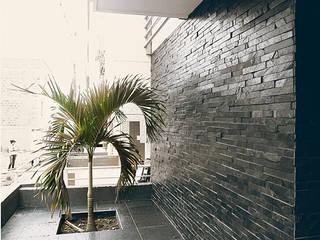 28 Townhouse.: Casas de estilo  por Oficina Suramericana De Arquitectura, Clásico