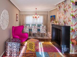 Salas de estilo ecléctico de roomy showroom Ecléctico