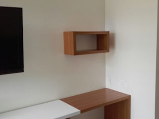 Modern Study Room and Home Office by Demadera Caracas Modern