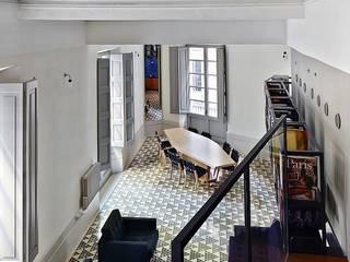 Phòng khách by Brick construcció i disseny