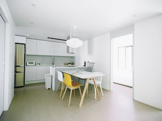 Scandinavian style dining room by 샐러드보울 디자인 스튜디오 Scandinavian