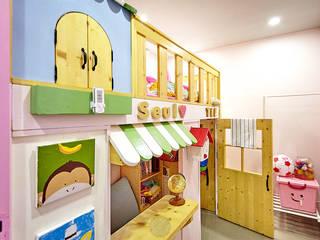 Dormitorios infantiles industriales de homify Industrial