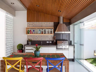 Kitchen by Moran e Anders Arquitetura, Eclectic