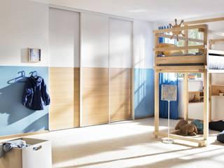 CABINET Schranksysteme AG: modern tarz , Modern