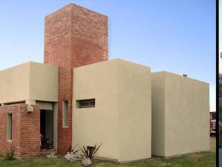 Casa Hostal Casas modernas: Ideas, imágenes y decoración de ELVARQUITECTOS Moderno
