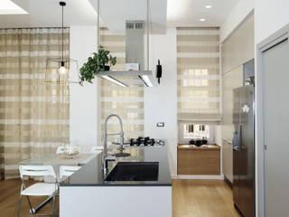3: Cucina in stile in stile Moderno di ZETAE Studio