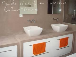 Salle de bain, douche à l'italienne, béton ciré:  de style  par Artlily