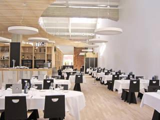Restaurante A Nave de Vidán - Santiago de Compostela Gastronomía de estilo industrial de Ezcurra e Ouzande arquitectura Industrial