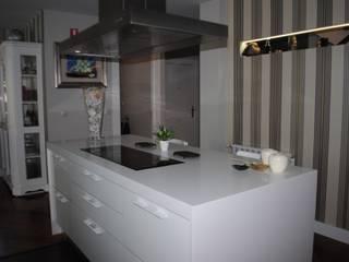 Chalet campo golf Cocinas de estilo moderno de Arquitecta interiores Ana Serrano Moderno