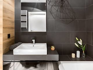 Casas de banho ecléticas por Decoroom Industrial