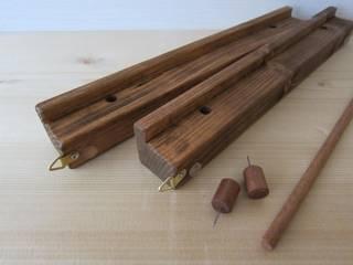 木の壁掛けマガジンラック&一輪挿し: 作房和樂(サボウワラク)が手掛けたです。