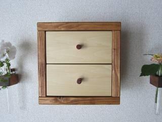 木の壁掛け小引出し: 作房和樂(サボウワラク)が手掛けたです。