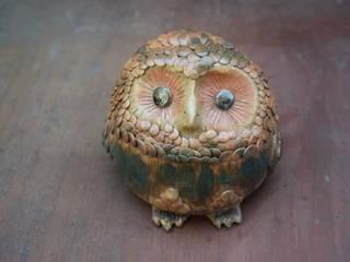 フクロウ蓋物: 曦心窯(きしんがま)が手掛けたです。