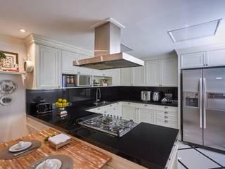 Klassische Küchen von Piloni Arquitetura Klassisch