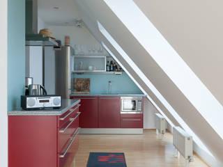 onloom Kitchenstories: moderne Küche von onloom GmbH