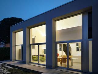 Loft PAR: Case in stile  di Buratti Architetti