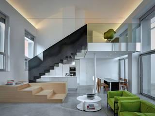 Loft PAR: Soggiorno in stile  di Buratti Architetti