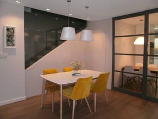 Skandinavische Wohnzimmer von AZ Diseño Skandinavisch