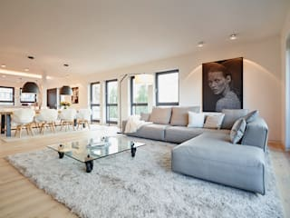 Penthouse:  Wohnzimmer von HONEYandSPICE innenarchitektur + design
