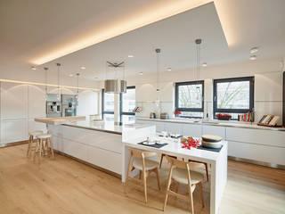 Cocinas de estilo  de HONEYandSPICE innenarchitektur + design