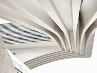 Casas de estilo moderno por Omar Pardo
