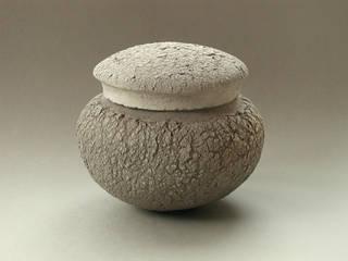 Urnes:  de style  par Pascale De Visscher