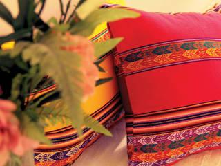 • Almohadones decorativos inspirados en lugares, la familia, los amigos, la música y la magia de cada hogar de Neyque Rústico