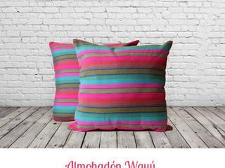 • Almohadones decorativos inspirados en lugares, la familia, los amigos, la música y la magia de cada hogar:  de estilo  por Neyque,Tropical