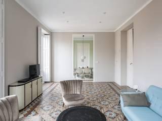 Vivienda Suelos de Mosaico Salones de estilo ecléctico de LLIBERÓS SALVADOR Arquitectos Ecléctico