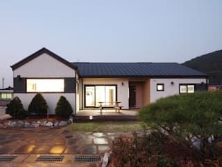 햇살품은 미니멀리즘 주택 [용인 방아리] 모던스타일 주택 by 윤성하우징 모던