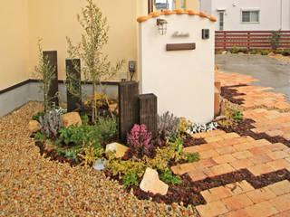 homify Mediterranean style garden