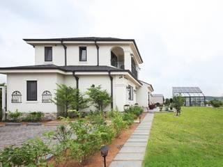 썬룸에서 즐기는 따뜻한 햇살 [서산 부산리] 클래식스타일 주택 by 윤성하우징 클래식