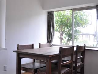table and chairs : WOOD STUDIO KUZE'Sが手掛けたです。,