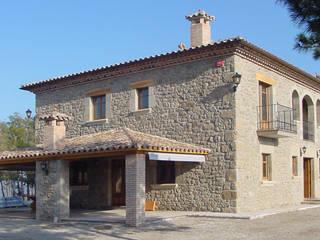 Casas de estilo rústico por ALENTORN i ALENTORN ARQUITECTES, SLP