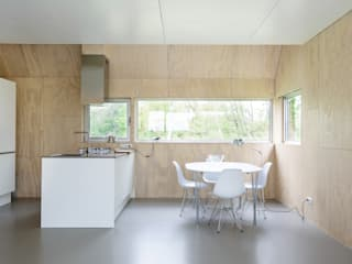 Kwint architecten Minimalist kitchen