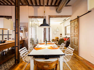 The Sibarist Property & Homes Rustic style dining room