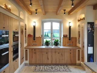 country Kitchen by Klocke Möbelwerkstätte GmbH
