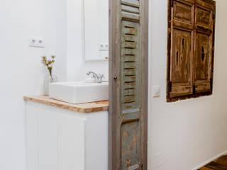 Salle de bain rustique par The Sibarist Property & Homes Rustique