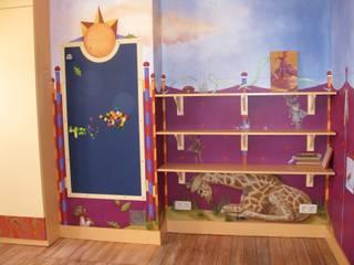 Décor peint pour une chambre de petite fille par Marianne De Wil Classique