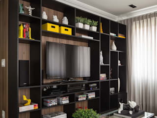 Stefani Arquitetura Living roomShelves Wood Black