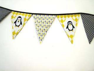 guirlande à fanions famille pingouins :  de style  par Sylvie LE SCOUL