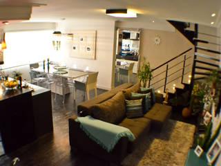 Classic style dining room by Sandra Pompermayer Arquitetura e Interiores Classic