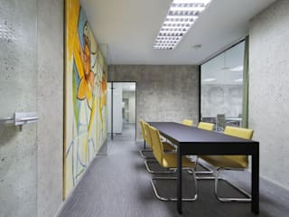 Estudios y oficinas de estilo  por Arquitectos Suarez , Clásico